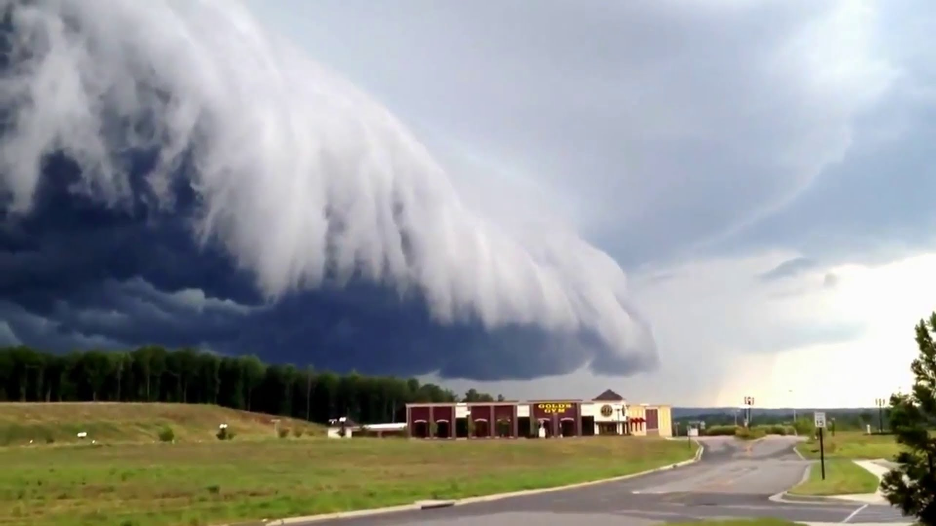 Amazing Ominous Upcoming Storm Cloud The Tango
