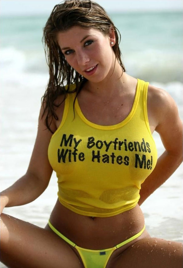 peopleamazeme-com-funny-sexy-woman-shirt-hot-babe-stupid-idiot-bikini-edd6329a-sz594x870-animate