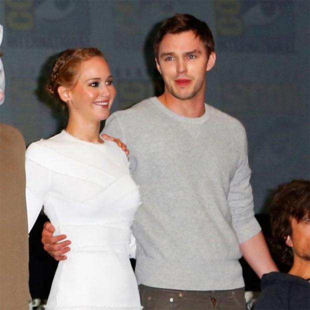 Jennifer Lawrence igno...