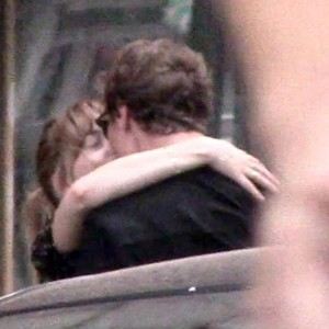 dakota_johnson_spotted_kissing_rumoured_new_boyfriend.jpg
