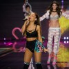 ariana_grande_hit_in_face_by_victorias_secret_angels_wings.jpg