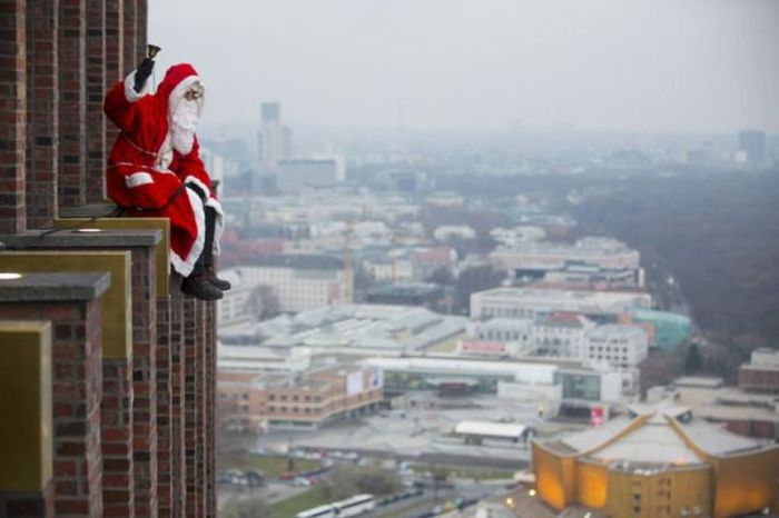 even-santa-can-t-stand-that-bell-anymore