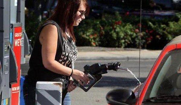 Gas Station Fails-03032015-00