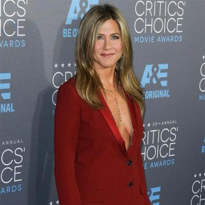 jennifer_aniston_asks_hotel_worker_to_plan_wedding.jpg