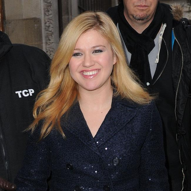 kelly_clarkson_didnt_expect_success_to_last.jpg