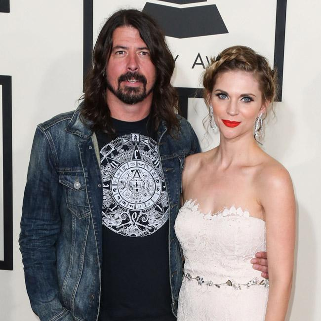dave_grohl_wants_daughters_to_form_band.jpg