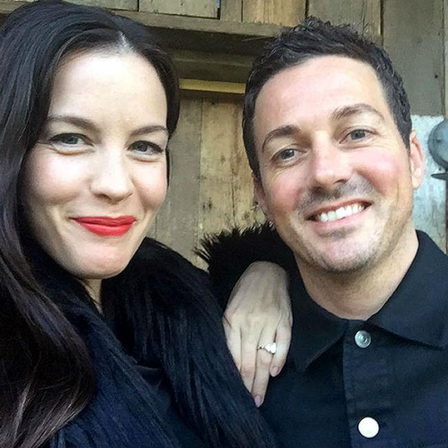 liv_tyler_gushes_over_fiance.jpg