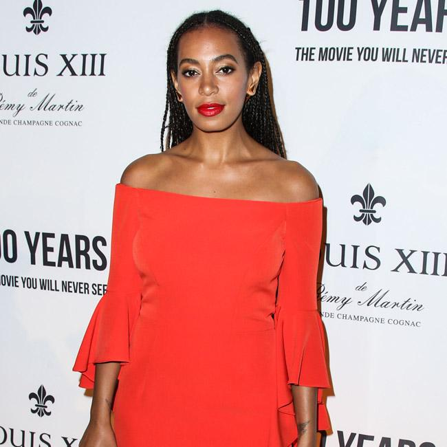 solange_knowles_loses_wedding_ring.jpg
