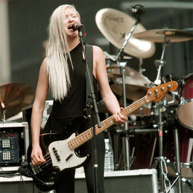 darcy_wretzky_wants_to_return_to_smashing_pumpkins.jpg