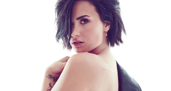 Demi Lovato tearfully opens up about sobriety during gig
