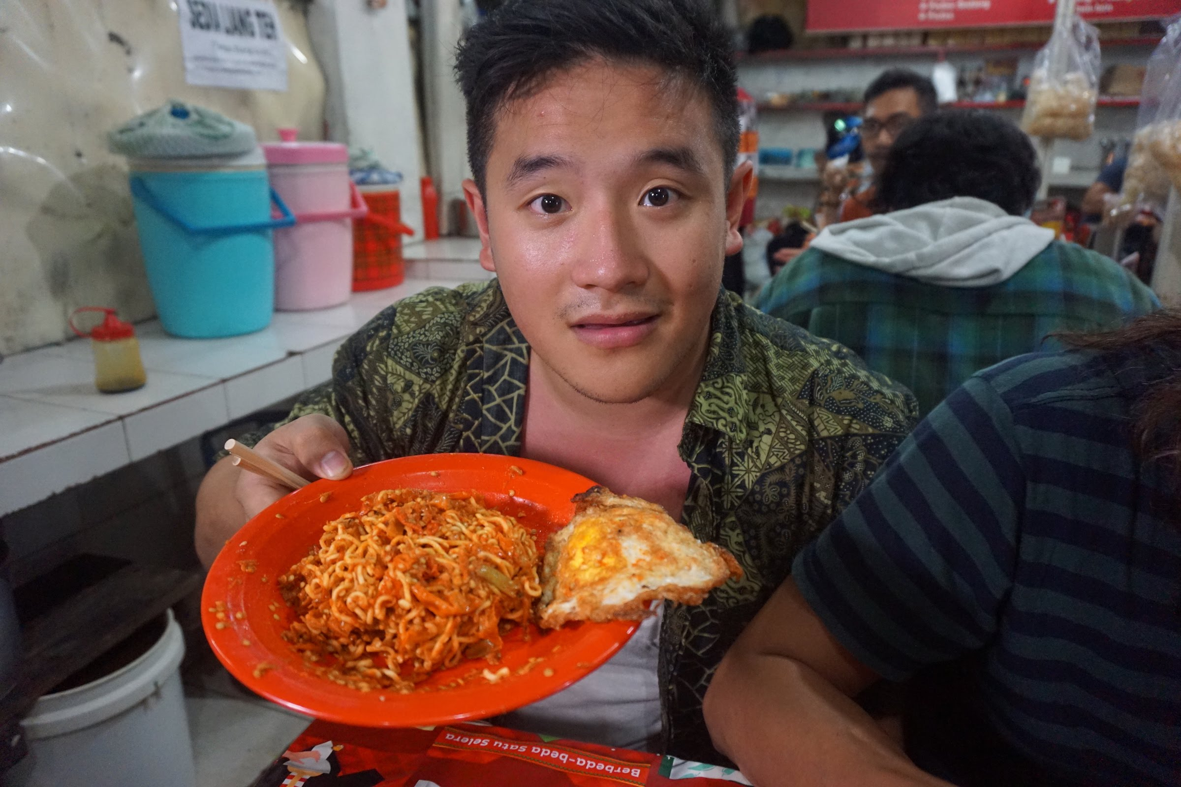 Guy eats the worlds spiciest noodle bowl