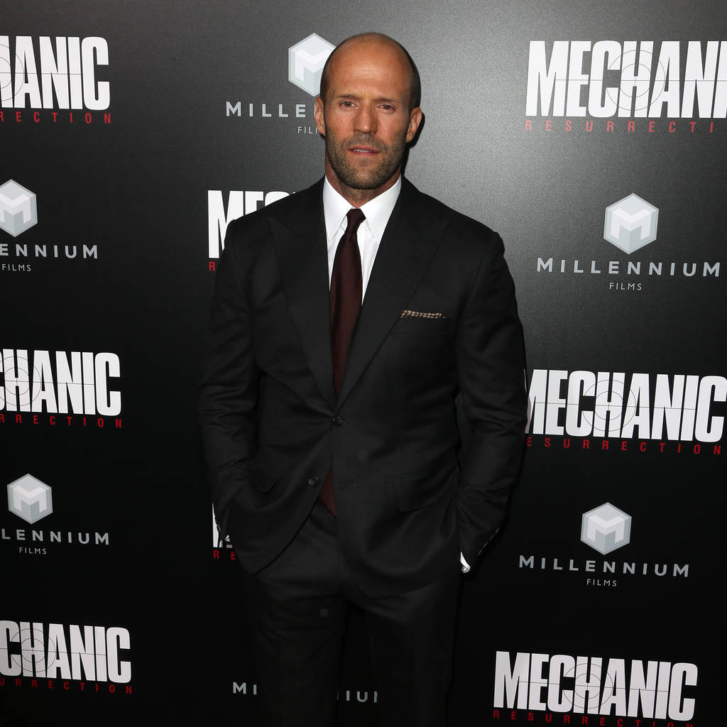 jason_statham_mocks_guy_ritchie_in_push-up_challenge_video.jpg