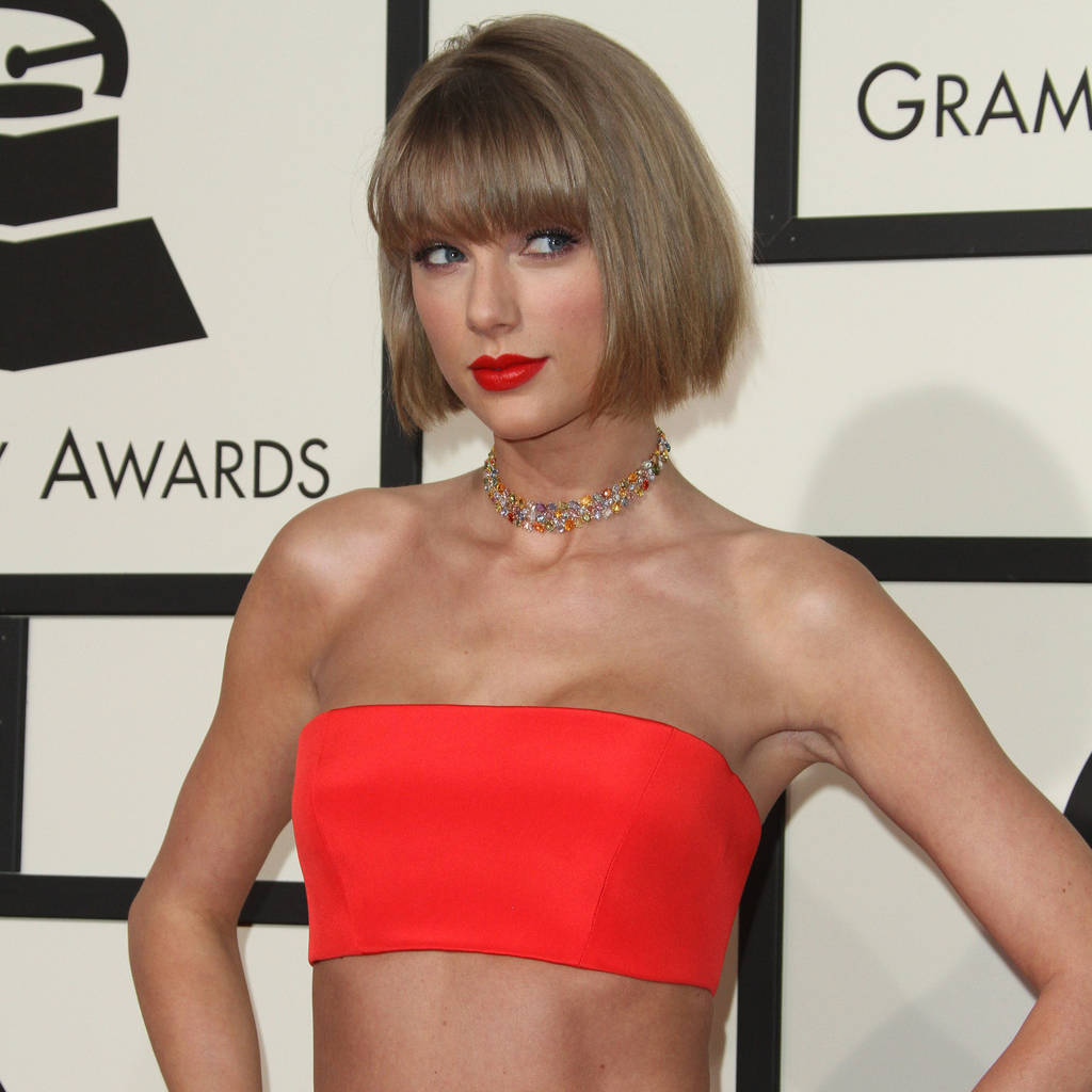 taylor_swift_shakes_off_love_split_at_liberty_ross_star-studded_birthday_bash.jpg