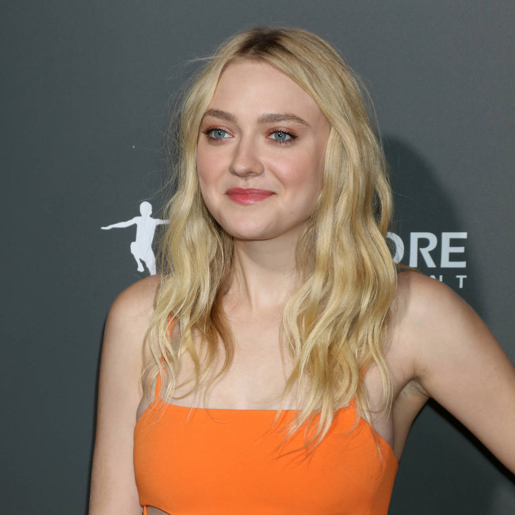Dakota Fanning fires back at reports she hates her sister ... Dakota Fanning