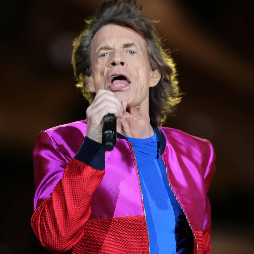 mick_jaggers_laryngitis_forces_rolling_stones_to_cancel_concert.jpg