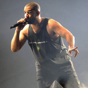 drake_wishes_rihanna_happy_birthday_during_dublin_concert.jpg