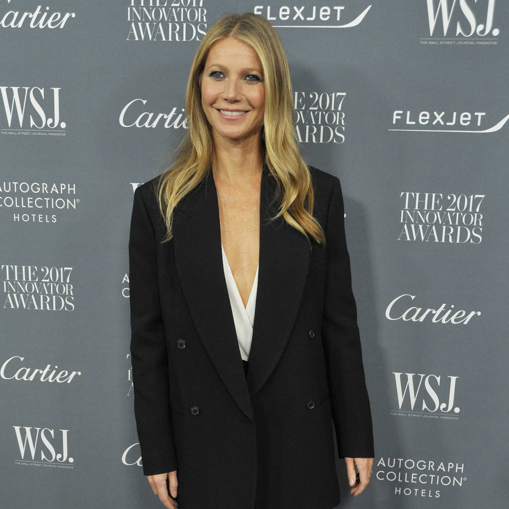 Gwyneth Paltrows 16-year-old daughter, Apple, reacts