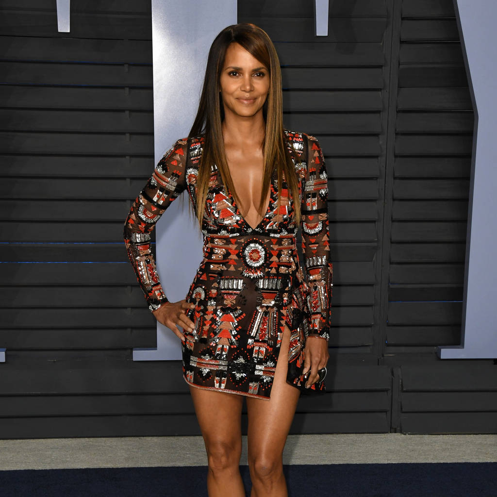 halle berry praises yoga benefits as she shares topless