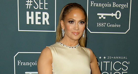 Jennifer Lopez accused of ripping off Beyonce's Grammys performance for AMAs appearance