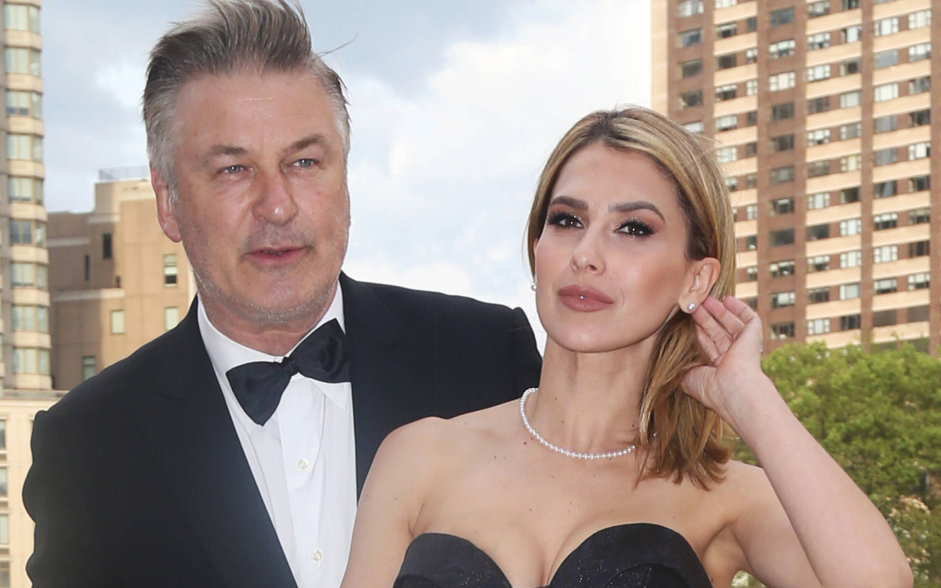Alec Baldwin's wife introduces daughter Lucia to fans ...